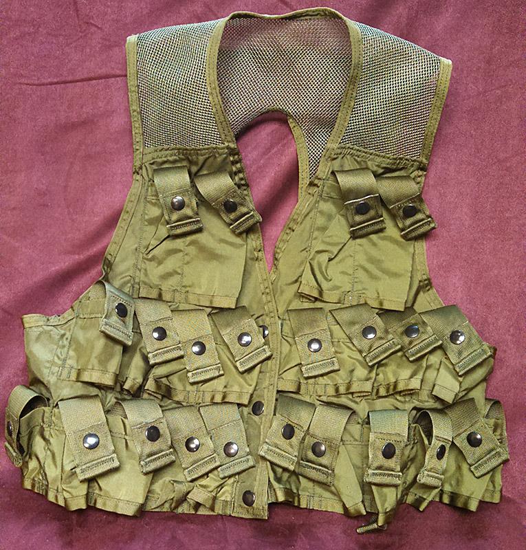 M79_M203_Carrier_Vest_04a.jpg